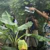 Northern Disclosure facilitator Rebecca Dagnall and participants during the workshop on Badu island, March 2019.